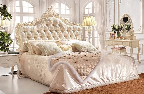 Giá một số mẫu giường ngủ cổ điển nhập khẩu tại Vương Quốc Nội Thất